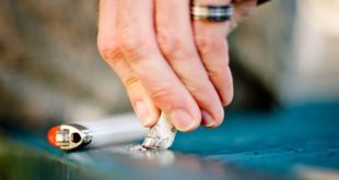 electronic cigarette online E-cigarettes: Smoking out the Competition 121012 F PM370 055 310x165