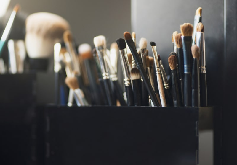 7 myths about makeup that need to be wiped away 7 Myths About Makeup That Need To Be Wiped Away makeupbrushes